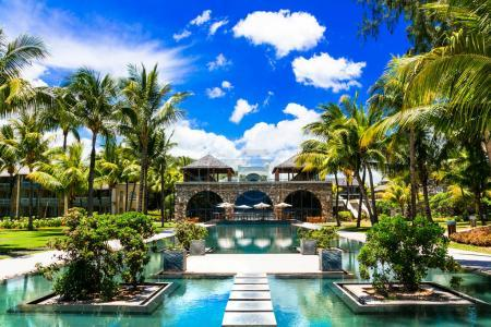 Photo pour Vacances de luxe dans une belle station balnéaire, île Maurice . - image libre de droit