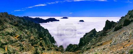 Photo pour Paysage impressionnant de Mirador de los Muchachos, La Palma, Espagne. - image libre de droit
