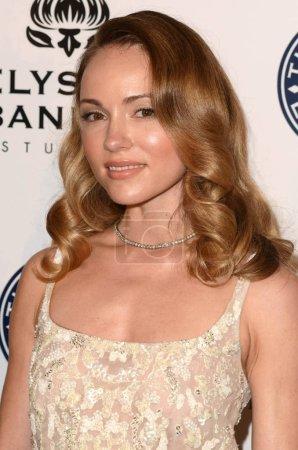 actress Nikita Kahn