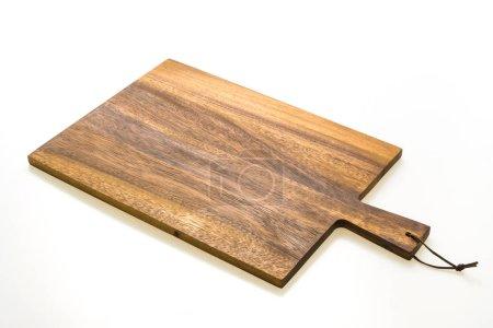 Photo pour À découper en bois brun et la planche à découper isolé sur fond blanc - image libre de droit