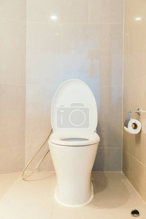White bowl seat