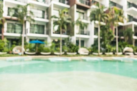Flou abstrait et défocalisée piscine dans l'hôtel et resort pour le fond