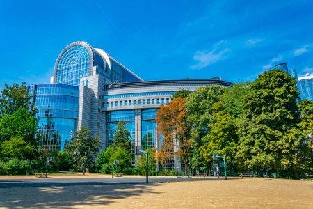 Photo pour Bâtiment du Parlement européen à Bruxelles, Belgique - image libre de droit