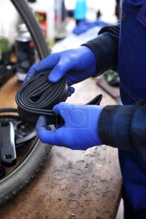 Replacement of the inner tube in the bicycle wheel.