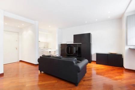 Foto de Interior casa, bonito salón, muebles modernos - Imagen libre de derechos