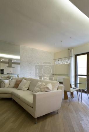 Photo pour Appartement neuf de design d'intérieur, salle de séjour - image libre de droit