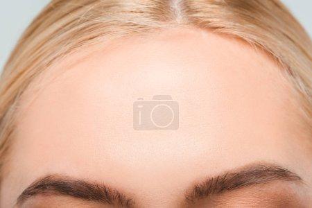 Photo pour Gros plan du front avec la peau parfaite de la jeune femme - image libre de droit