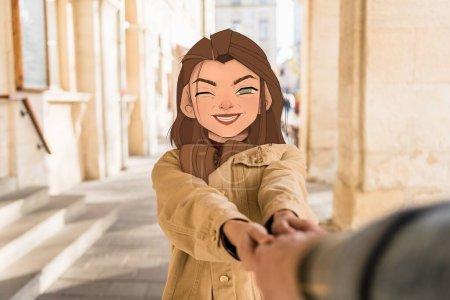 Photo pour Foyer sélectif de la fille avec le visage souriant illustré tenant la main de l'homme en ville - image libre de droit