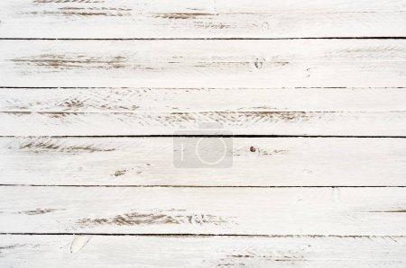 Photo pour Arrière-plan âgés lamelles horizontales en bois blanc - image libre de droit