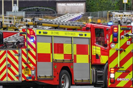Photo pour NANTGARW, NEAR CARDIFF, WALES - FEBRUARY 2020: Fire tenders called out to an emergency in Nantgarw near Cardiff - image libre de droit