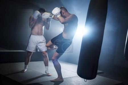 two men boxing