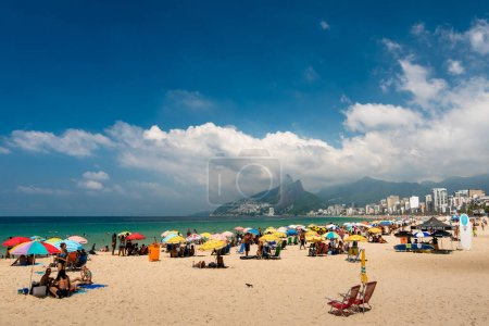 People enjoy sunny weekend