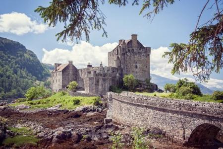 Foto de Castillo de Eilean Donan en las tierras altas de Escocia Reino Unido - Imagen libre de derechos
