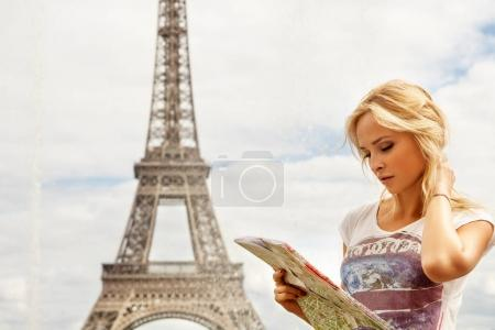 tourist looking at the map