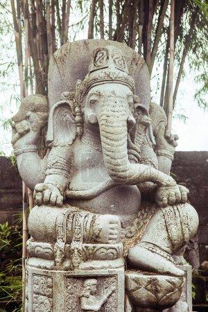 Photo pour Statue Ganesha dieu du succès sur l'île de Bali . - image libre de droit