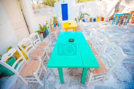 leere openair sommercafe am griechischen stadt