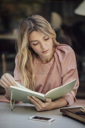 Pretty Woman Studying