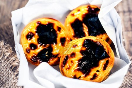 Creamy egg tarts