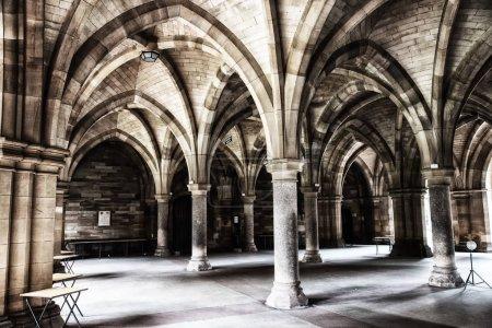 Glasgow University Cloister columns