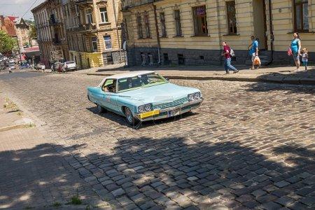 Старый ретро автомобиль Бьюик Электра