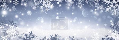 Photo pour Flocons de neige tombant sur la neige - hiver bannière - image libre de droit