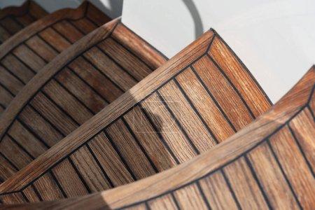 Photo pour Escaliers de bois vides arrière-plan - image libre de droit