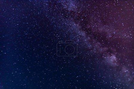 Photo pour Vue spectaculaire du ciel étoilé la nuit - image libre de droit