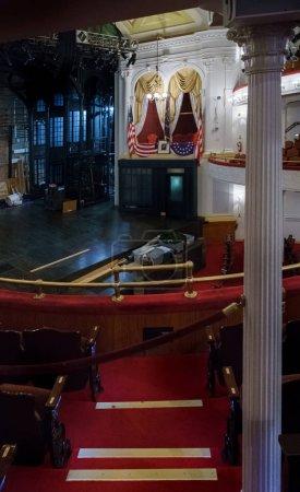 Photo pour Vue intérieure de l'espace scénique, Theatre, Washington Dc, Usa de Ford - image libre de droit
