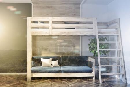 Photo pour Intérieur moderne de la chambre avec des murs bleu foncé et en bois, un plancher en bois, et un lit mezzanine avec un canapé bleu en dessous. 3d rendu maquette image tonique double exposition - image libre de droit