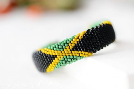 Jamaican flag bead crochet bracelet close up