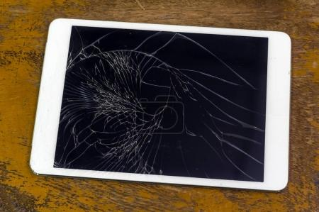 Tablet computer with broken glass screen