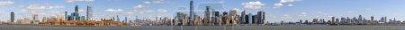 Photo pour Panorama Scène de New York Paysage urbain côté rivière dont l'emplacement est inférieur manhattan, Architecture et bâtiment avec concept touristique - image libre de droit