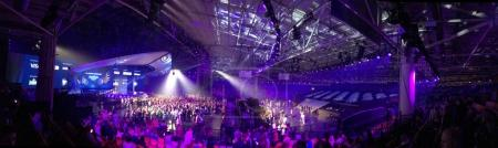 Photo pour Finale de l'Eurovision 2017 sur la scène de l'International Exhibition Center à la Kiev, Ukraine. Panorama. 05.13.2017. rédaction. - image libre de droit