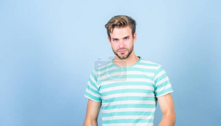 Photo for Confident in his perfect style. male fashion and beauty. perfect look of muscular man. man in trendy shirt. Guy fashion model. summer fashion. Unshaven student guy. sexy macho in casual style. - Royalty Free Image