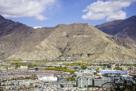 Photo pour Vue de l'architecture traditionnelle du Tibet, Chine, concept de voyage - image libre de droit