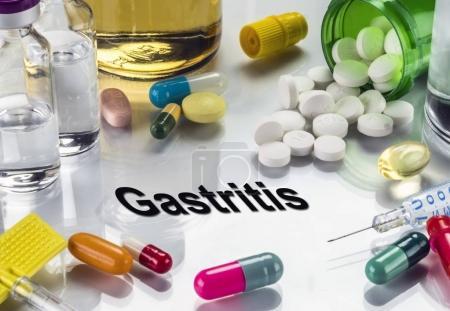 Photo pour Gastrite, médicaments comme concept de traitement ordinaire, image conceptuelle - image libre de droit