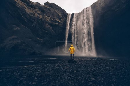 Explorer on the icelandic tour, traveling across iceland discove