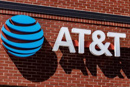 Dayton - Circa April 2018: T&T Mobility Wireless Retail Store. AT&T now offers IPTV, VoIP, Cell Phones and DirecTV XIII