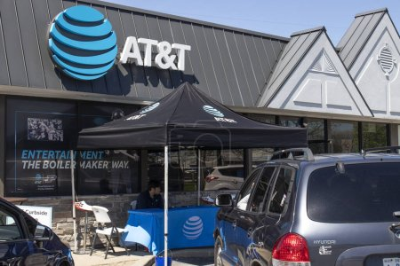 Lafayette - Circa May 2020: AT&T cell phone retail store. Amid new Social Distancing rules, AT&T is offering curbside service.