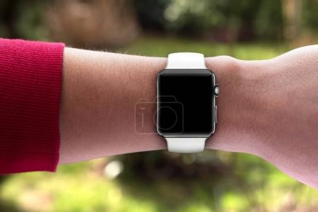 Smart watch with blank screen on hand