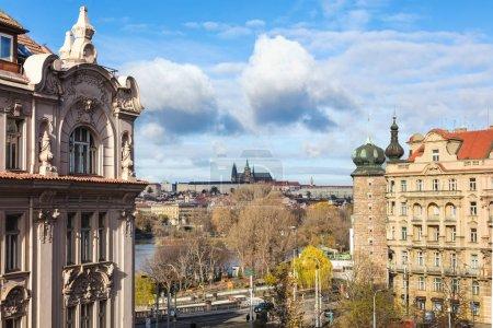 Photo pour Façade de bâtiments dans la ville de Prague, Bohême, République tchèque, Europe - image libre de droit