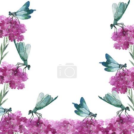 Photo pour Aquarelle peint à la main cadre de la faune de la flore naturelle avec des fleurs de belladone rose et des branches vertes, insectes libellules bleus sur le fond blanc pour inviter et carte de vœux avec l'espace pour le texte - image libre de droit