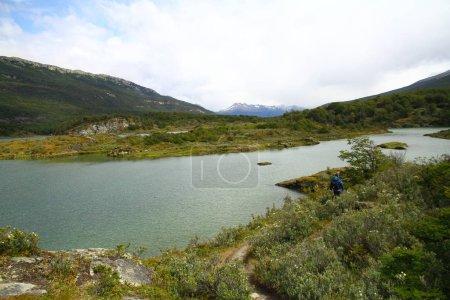 Photo pour Beau paysage avec lac de montagne. Nature - image libre de droit