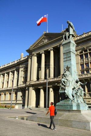 Photo pour Une vue du Palais de Justice à Santiago, Chili - image libre de droit