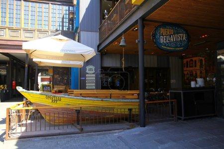 Photo pour Patio Bellavista est un centre commercial, gastronomique et culturel moderne à Bellavista qui est connu comme quartier branché arty à Santiago., Chili - image libre de droit
