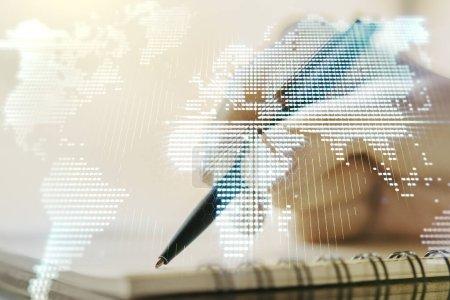 Photo pour Carte du monde numérique abstraite et créative et écriture de la femme dans journal intime sur fond, concept de mondialisation. Multiexposition - image libre de droit