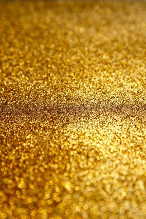 Photo pour Or texture pailletée papier scintillant fond. Fond scintillant doré abstrait scintillant avec bokeh, lumières déconcentrées pour les vacances de Noël, bannière, invitation de mariage et cartes de voeux. - image libre de droit