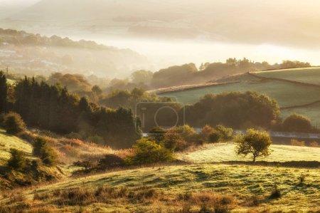 Photo pour Les Maures autour de la Saddleworth et la ville de Manchester sur le Peak District National Park, Cheshire, Angleterre, Royaume-Uni - image libre de droit