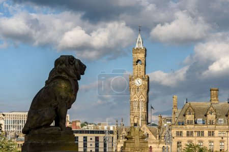 Bradford City Hall with lion statue