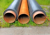 Three heat-conducting pipes on a grass